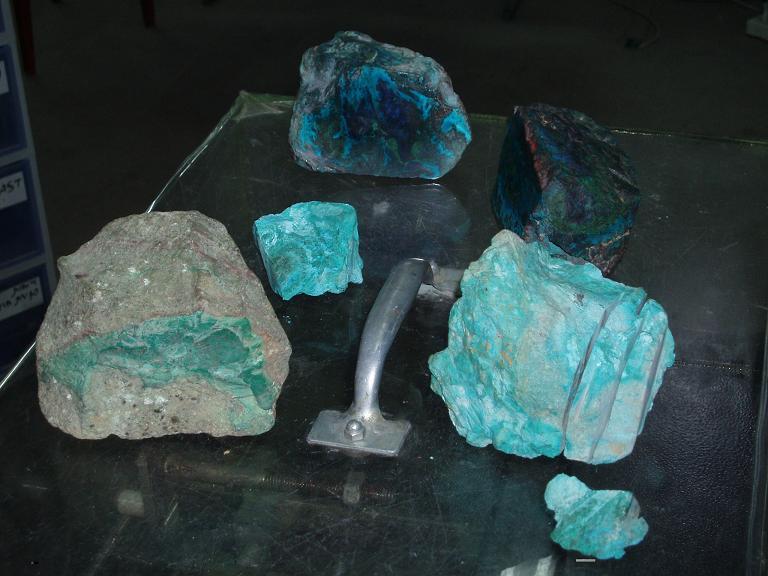 Оказалось, что эйлатский камень - это природный сплав лазурита и...